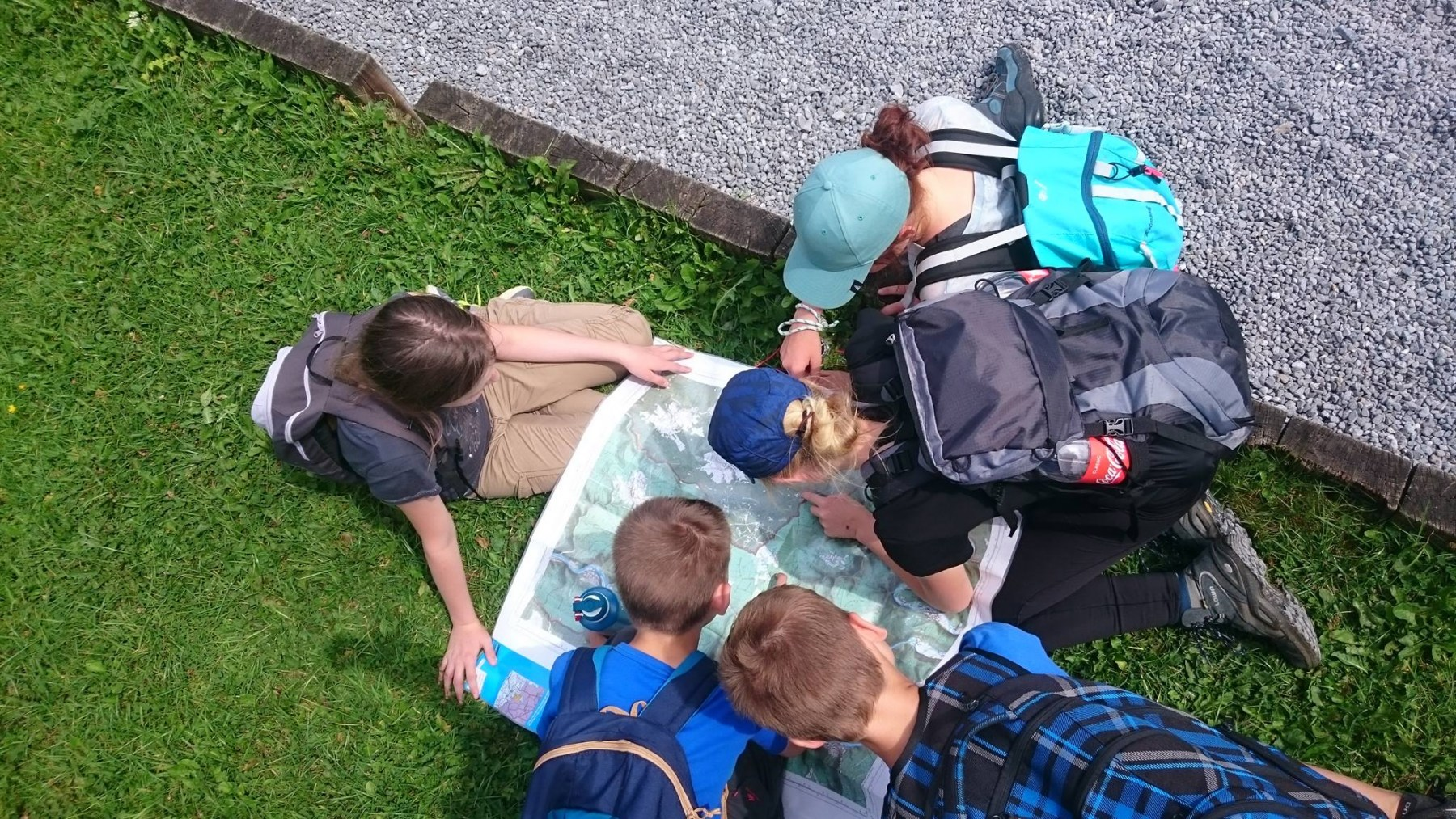 navigatie-jongeren-ardennen-kaart-kompas-min