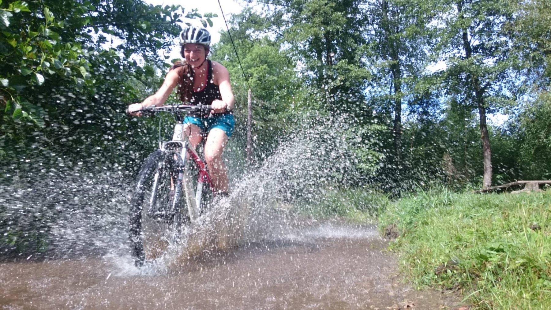 mountainbike-opspatten-lach-plezier-enja